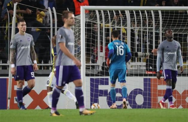 Blunderend Anderlecht gaat opnieuw af en is nu al uitgeschakeld in Europa