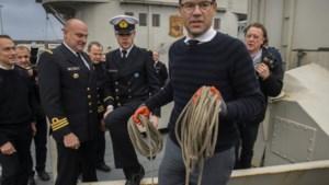 """""""Defensie mag geen reisbureau Sander Loones worden"""""""