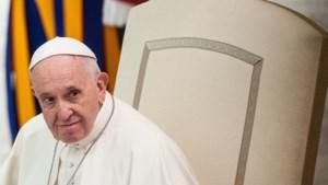 """Paus Franciscus: """"Homoseksualiteit is een trend waar ook geestelijken gevoelig voor zijn. En dat moeten we vermijden"""""""