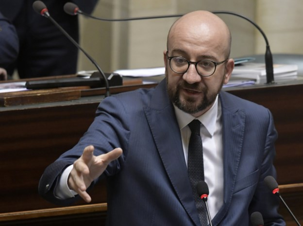 Premier Michel rekt doodsstrijd van regering nog wat langer met vage verklaring