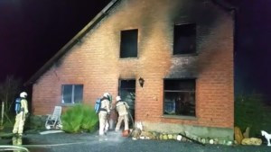 VIDEO. Woning volledig verwoest door uitslaande brand in Meeuwen