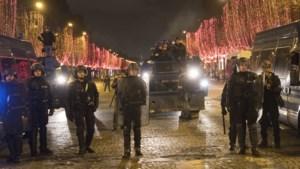 Officiële telling: meer dan 1.700 mensen opgepakt bij Franse protesten