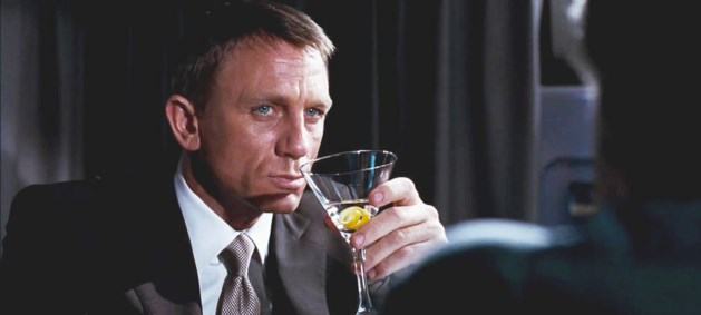 James Bond is een alcoholist