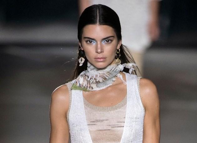 Ook Kendall Jenner zet eerste stapjes in beautywereld