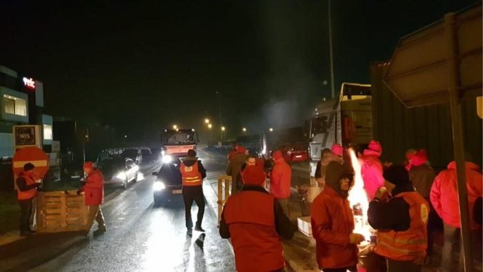 """VKW Limburg: """"Vakbonden profileren zich op kap van de werkgevers"""""""