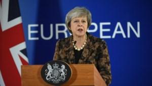Europese top stuurt May met lege handen naar huis