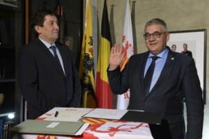 """Steven Vandeput legt eed af als Hasseltse burgemeester: """"Ik kan niet wachten tot 1 januari"""""""