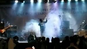 Schokkende beelden: concertgangers overspoeld door tsunami in Indonesië