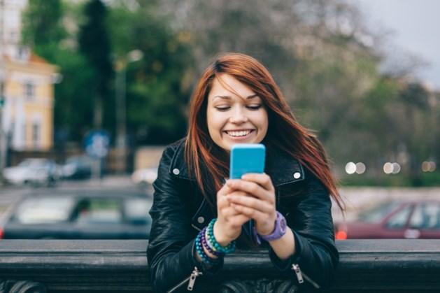 Het sms'je is passé: Belg kiest massaal voor sociale media