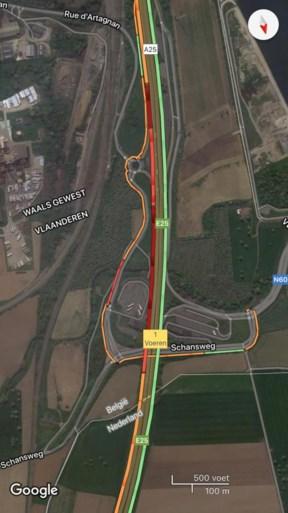 Gele hesjes blokkeren in Voeren snelweg richting Maastricht