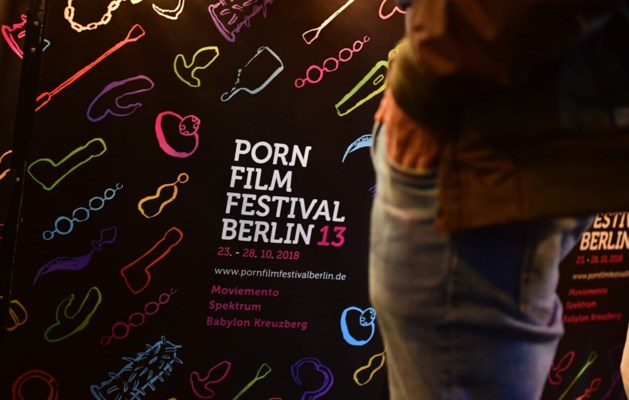Geen siliconenborsten en flutverhaaltjes meer: feministen streven naar emancipatie met alternatieve porno