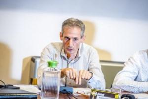 Oud-burgemeester Hermans haalt emotioneel uit