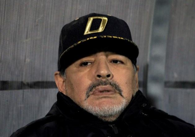 Diego Maradona mag alweer naar huis nadat hij met maagbloeding werd opgenomen in ziekenhuis