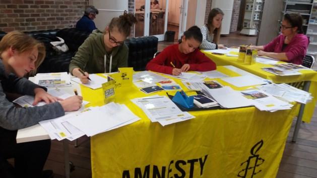 Amnesty International Hasselt trots op resultaat schrijfmarathon
