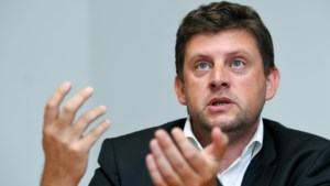 Crombez vindt dat migratie naar Europa moet verminderen