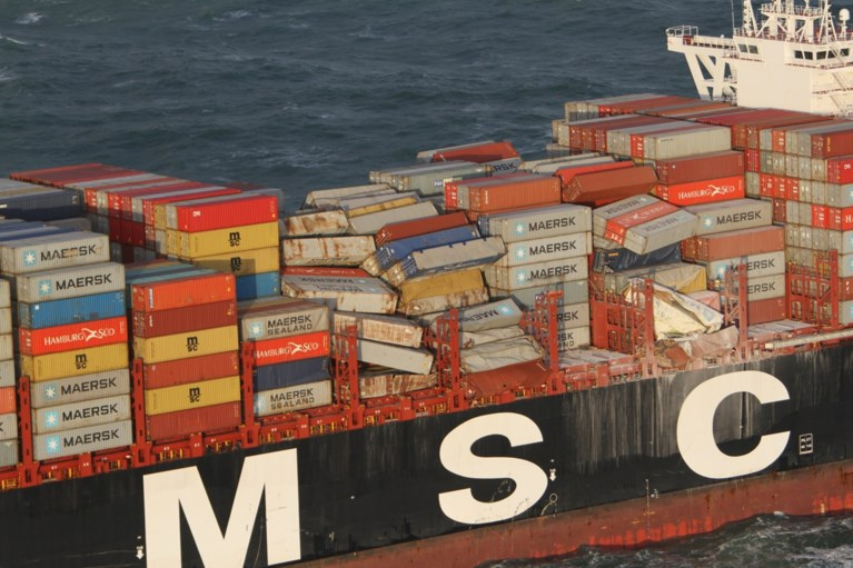 Onderzoek naar plastic rommel in de Waddenzee nadat containers overboord sloegen