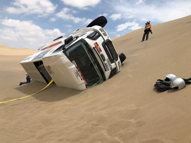 Belgische truck staat nog steeds in de woestijn in Dakar-rally