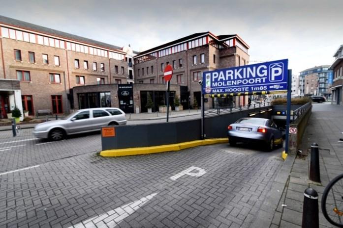 """Dit kost parkeren in Vlaamse centrumsteden: """"Maak het aantrekkelijker voor shoppers"""""""