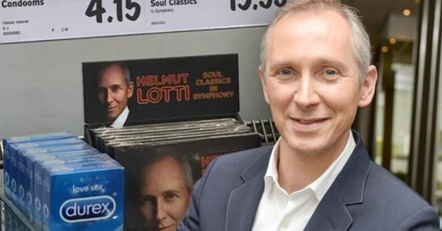 Helmut Lotti stomverbaasd wanneer hij zijn cd bij Lidl naast de condooms ziet staan