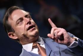 De Wever trekt weer helemaal kaart van confederalisme en viseert premier Michel in N-VA-nieuwjaarsspeech
