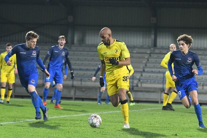 """""""Emotioneel moment"""": Ogunjimi draagt goal in debuutmatch bij Lierse Kempenzonen op aan overleden vriend"""