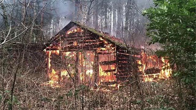 VIDEO. Brand in schuurtje van leegstaand huis in Zutendaal