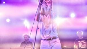 "Whispering Sons speelt op defilé Raf Simons: ""Naomi Campbell kwam zeggen dat ze het goed vond"""