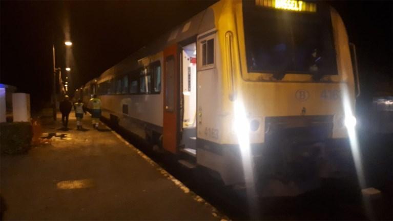 Afgelaste trein na incident: conducteur filmt jongeren