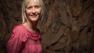"""Grete Remen (N-VA) stapt uit politiek na kritiek uit eigen rangen: """"Ik mis moed bij collega's"""""""