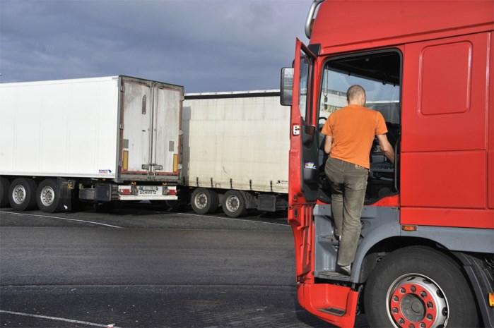 Drie transmigranten aangetroffen in truck in Beringen