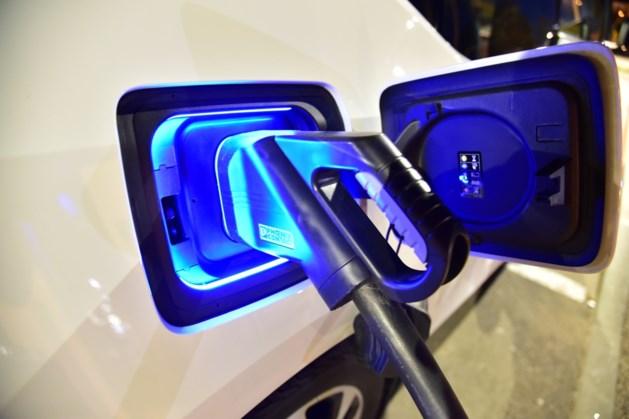 """Vlaamse ombudsman waarschuwt voor groepsaankoop van elektrische wagens: """"Ik kan de klachten al voorspellen"""""""