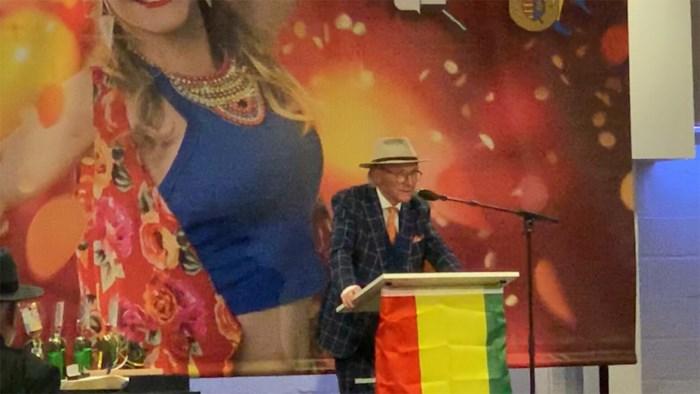 Willy Naessens gehuldigd als Orde van Gulle Lach in Genk