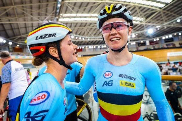 Jolien D'hoore en Lotte Kopecky winnen ploegkoers op Wereldbeker Cambridge