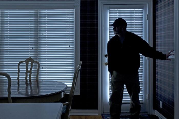 Loois koppel betrapt Italiaanse inbreekster in huis