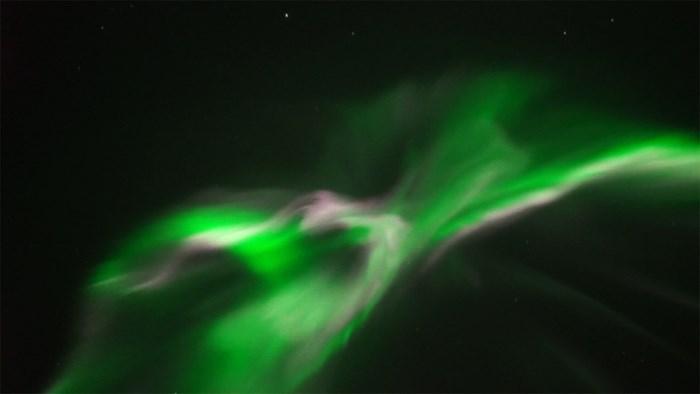 Limburgse weerman filmt uitzonderlijk mooie versie van het noorderlicht