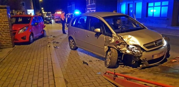 Bestuurder (20) verliest controle over stuur en botst tegen geparkeerde auto in Gingelom