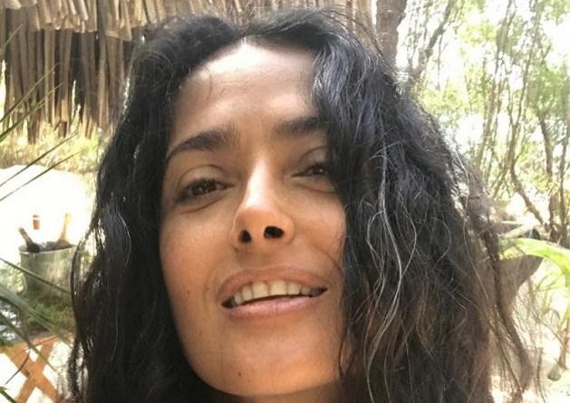 Salma Hayek is trots op haar grijze haartjes