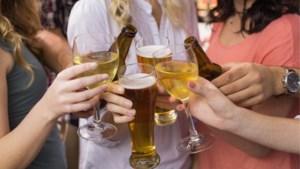 Bier na wijn of omgekeerd? Volgorde van drankjes heeft geen invloed op je kater