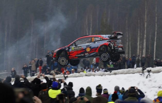 Thierry Neuville schuift op naar derde plaats in Rally van Zweden, Ott Tänak blijft leider