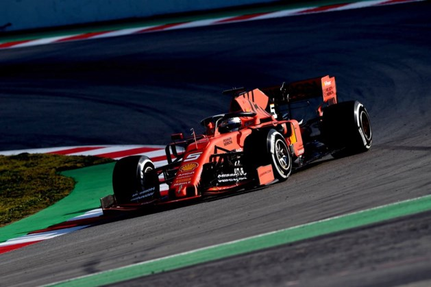 Sebastian Vettel snelste tijdens eerste F1-testdag in Barcelona