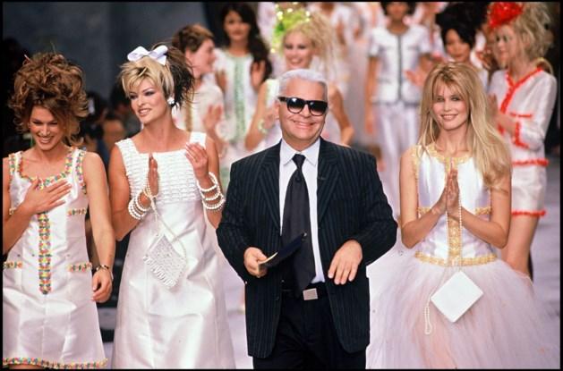 REACTIES. 'Lagerfeld maakte van Parijs dé modestad'