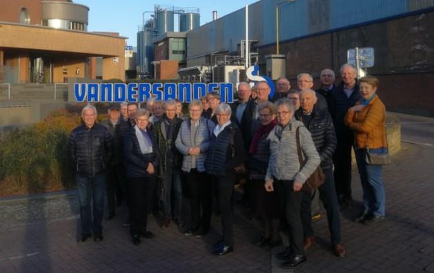 Neos Oudsbergen bezoekt steenfabriek Vandersanden