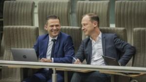 Hilarisch: burgemeester Lode Ceyssens krijgt een 'uitbrander' van Jan Peumans