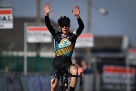 Denise Betsema blijft maar winnen: Nederlandse pakt in Leuven haar 14e zege van het seizoen