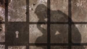 OPGESLOTEN DEEL 4: Donderdag,… een dag zonder drugs