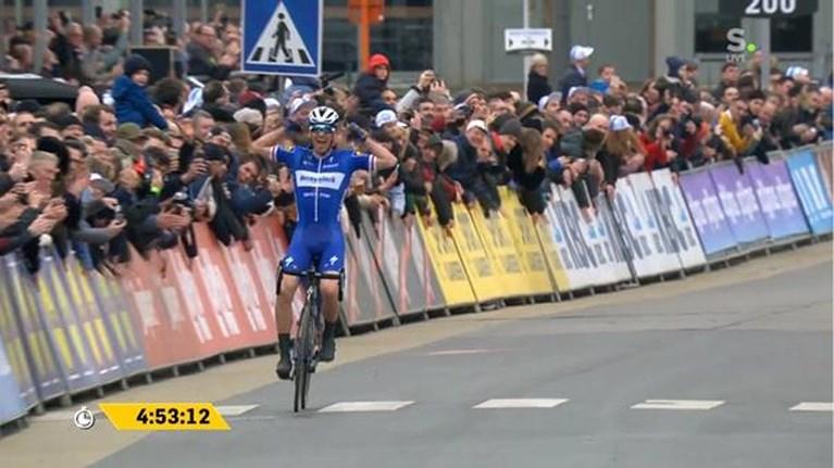 Mee met de Omloop Het Nieuwsblad in 1 minuut
