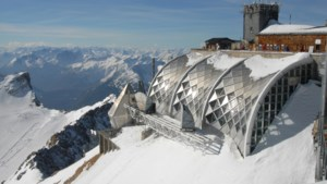 Ruim tachtig mensen uit Oostenrijkse kabelbaan gered na stroompanne