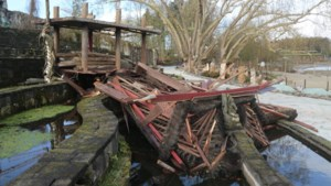 Rukwinden veroorzaken pak schade in Pairi Daiza