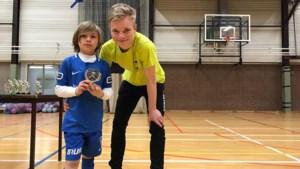 Gust Gabriels (18) maakt winning goal voor Meeuwen