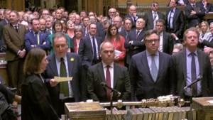 Brits parlement stemt no deal weg, May dreigt Brexit op lange baan te schuiven